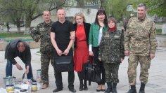 Покраска танка-памятника в Северодонецке